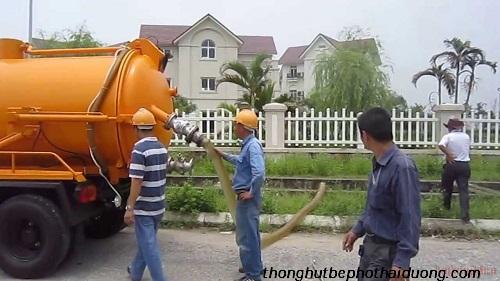 bồn cầu xả nước chậm